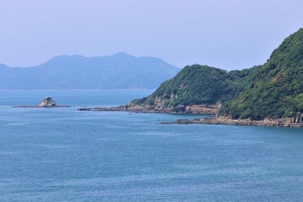 福津市恋の浦より大島を臨む