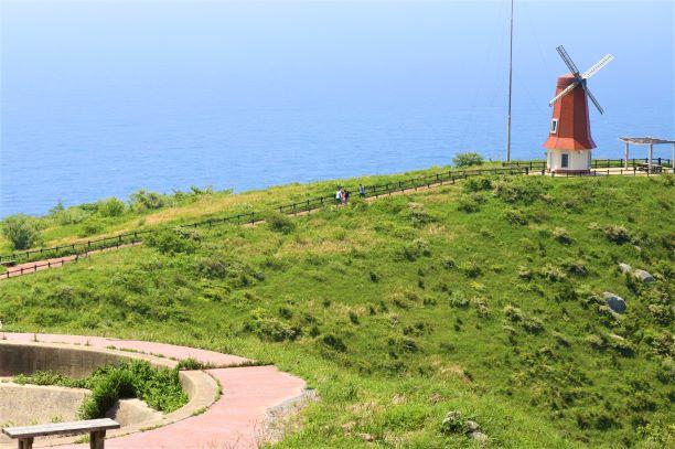 風車展望所と砲台跡